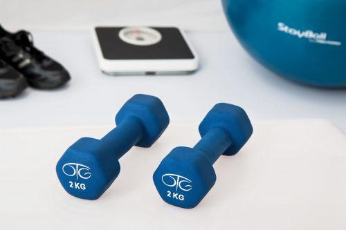 kuntoilu-liikunta-painot-vaaka